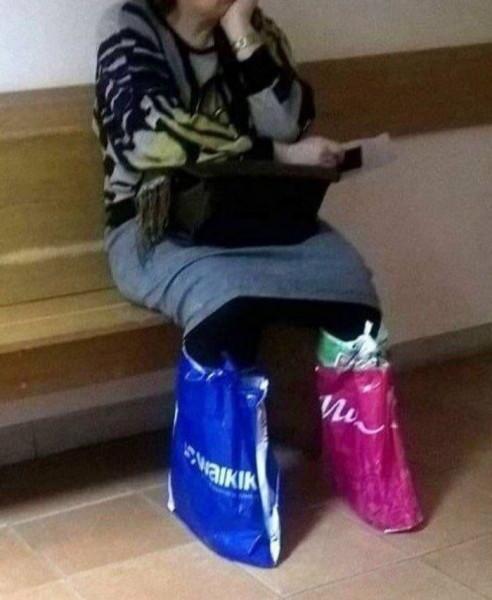 Мем: Покупать бахилы? А пакеты на что?, Дед Макар