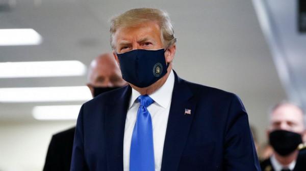 Мем: Трамп впервые появился на публике в маске., Дед Макар
