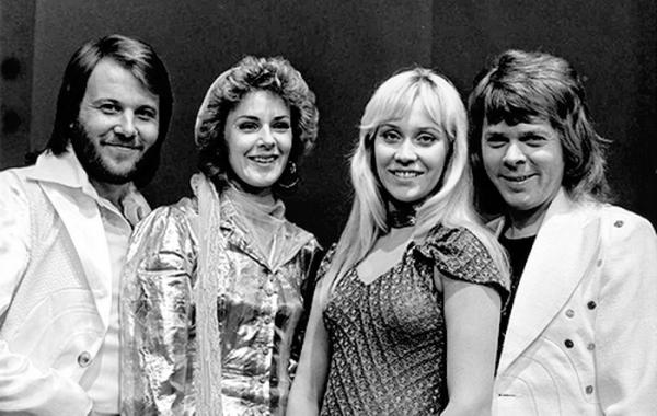 Мем: ABBA. Фото 1974 года, Брюттон